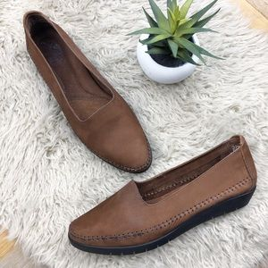 •CLARKS of England• Leather Slip-on Flats Loafers